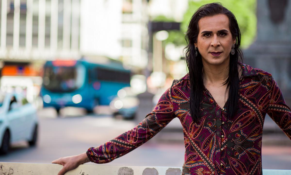 Procuramos mulheres gay travestis 27382